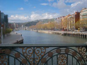 Paseo por la ría de Bilbao